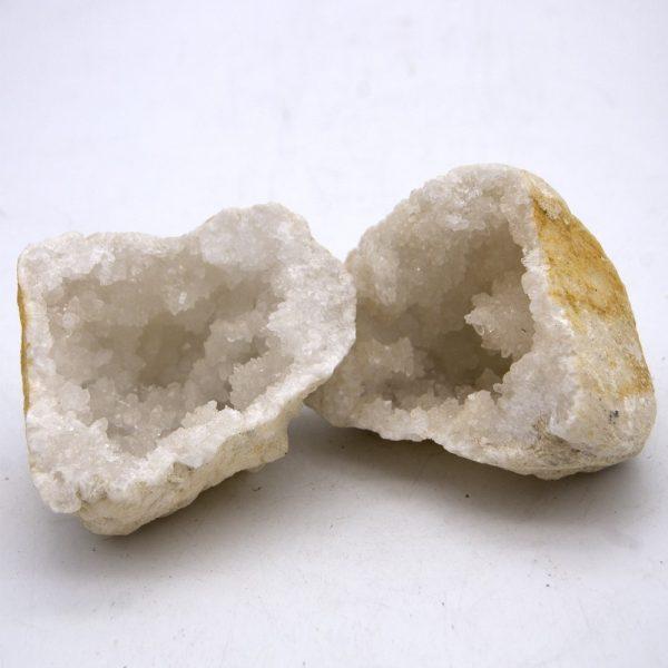 Geode - Mineral Roca - Quartz - Opens in 2 pieces - 10 cm
