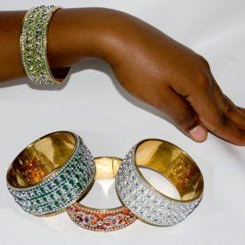 gold Bracelet - Fine Engraving- 7 x 3,5 cm - NEW