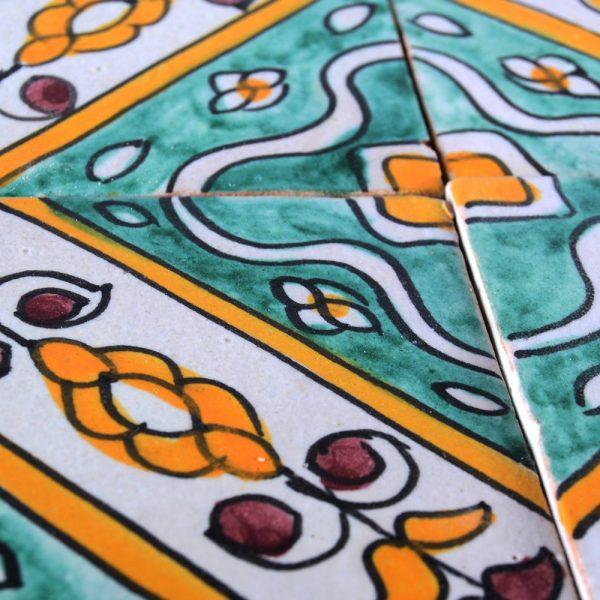Al-Andalus - 10 cm - several designs - handcrafted tile - model 21