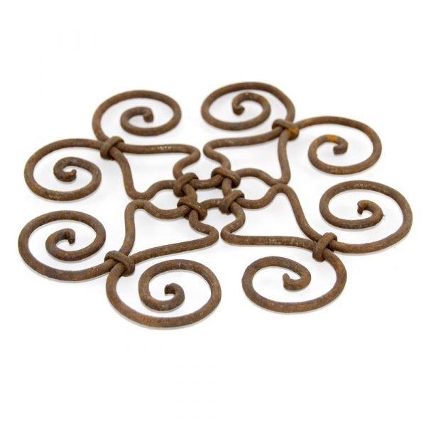 Handmade forging table mat - Geometric design - Spiral model