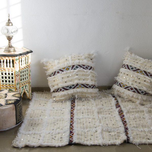 Berber Set - 2 Cushions + Carpet - White